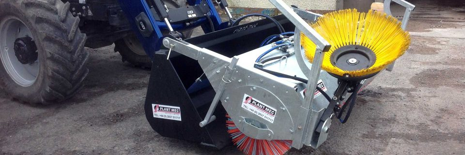 Bucket Brush c/w Kerb Brush